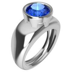 18 Karat White Gold Round Blue Sapphire 2.69 Carat Sculpture Ring