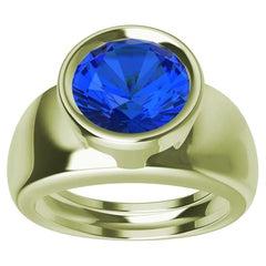 18 Karat Green Gold Round Blue Sapphire 2.69 Carat Sculpture Ring