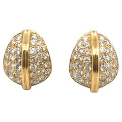 18 Karat Yellow Gold and Diamonds Earrings