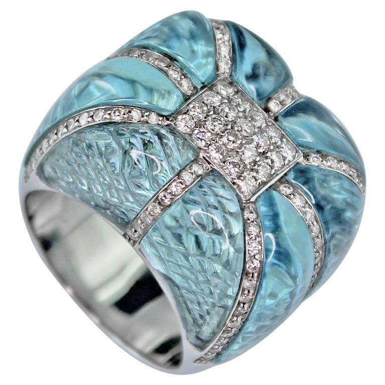 18 Karat White Gold Acquamarine Diamonds Ring  For Sale