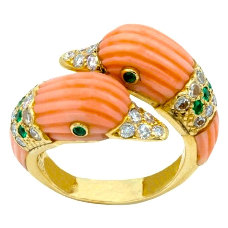 Van Cleef & Arpels Duck Toi & Moi Coral Diamonds Emeralds 18 Carats Yellow Gold For Sale