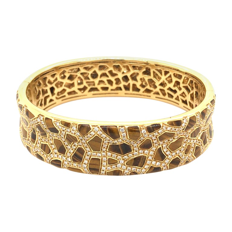 Roberto Coin Tigers Eye and Diamond Bracelet from the Animalier Collection For Sale