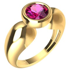18 Karat Yellow Gold Pink Sapphire 1.09 Carat Teardrop Sculpture Ring