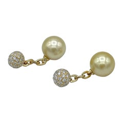 White Diamond South Sea Pearl 18 Karat Gold Cufflinks Made in Italy