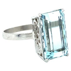Vintage Aquamarine Solitaire Ring Engagement Ring in 18K White Gold, 6.00ct.