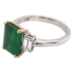 2.50 Carat Emerald & Diamond Ring 18K Gold