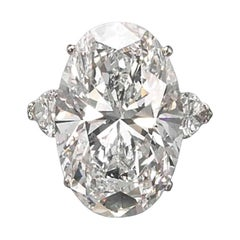 Exceptional Flawless GIA Certified 5.38 Carat Oval Diamond Solitaire Ring