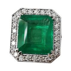 IGI Certified 6 Carat Minor Oil Emerald Natural and Diamond Ring Made in Italy