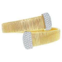 2 Carats Yellow Gold Tubogas Bangle