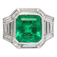 Certified 9 Carat Colombian Emerald and Diamond Italian Ring