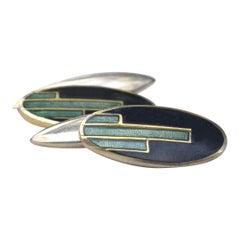 Art Deco Gent's Matching Pair of Green and Black Enamel Cufflinks, 1930s