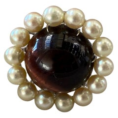 Cabochon Chocolat Quartz Ring Surrounded by Fine Pearls, Mounted on White Gold