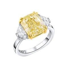 Rivière Platinum 18 Karat 5.01 Carat Fancy Yellow Diamond Ring