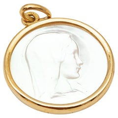 Mother-of-Pearl and 18K Yellow Gold Young Virgin Medal