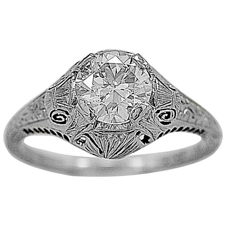 Art Deco 1.08 Carat Diamond Gold Engagement Ring