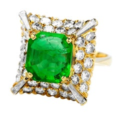 1980's Colombian Emerald Diamond 18K Gold Cocktail Ring