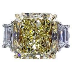 Diamond Three-Stone Rings