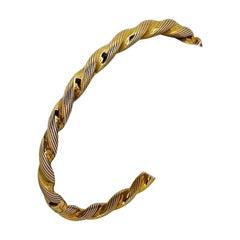 14 Karat Yellow Gold UnoAErre Ribbed Twisted Bangle Bracelet, Italy
