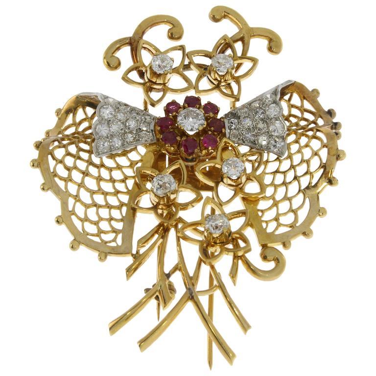 1940s Ruby Diamond Gold Brooch