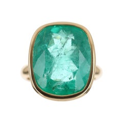 11.80cts 18K Colombian Emerald Cushion Cut Solitaire Ring