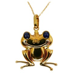 Vintage 18K Yellow Gold and Blue Sapphire Frog Pendant, Also Suitable for Kids