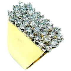 2.60 Carat Round Brilliant Diamond Cluster Yellow Gold Cocktail Ring