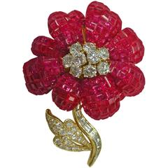 1970s Invisible Set Ruby Diamond Gold Floral Brooch 29.71 Carat T/W