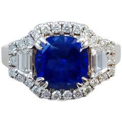 Captivating Ceylon Sapphire Diamond Gold Ring