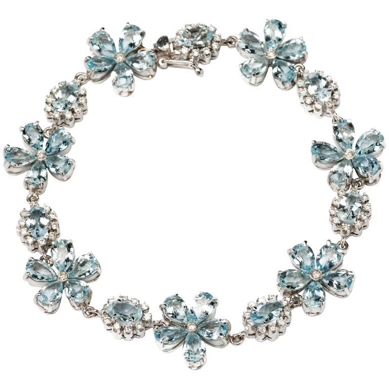 Flower Shape Aquamarine Diamond Gold Bracelet For