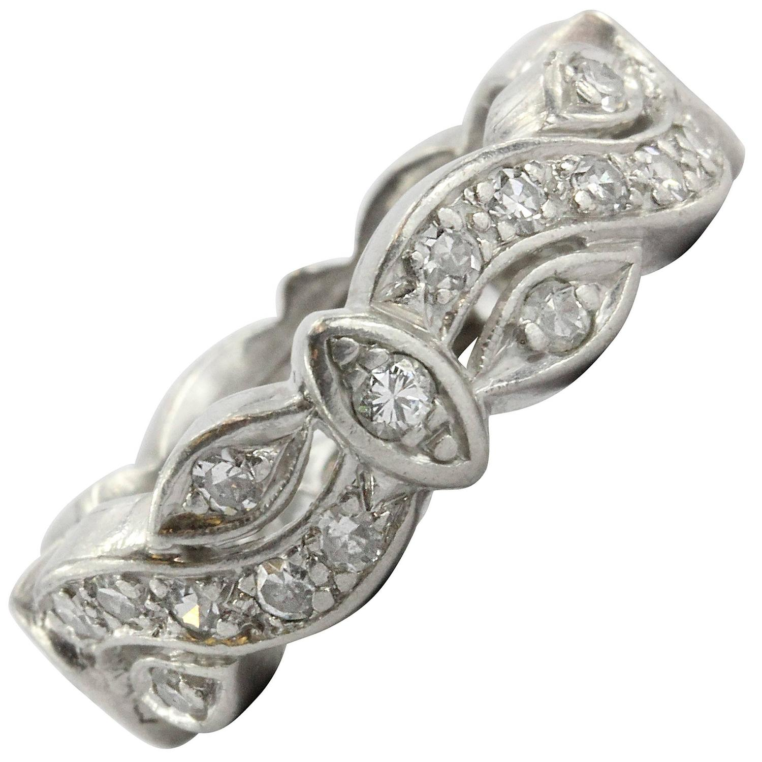 1930s Art Deco Platinum Antique European Cut Diamond Wedding Band at