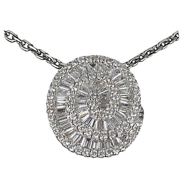 Modern 0.80 Brillant and Trapez cut Diamond Pendant