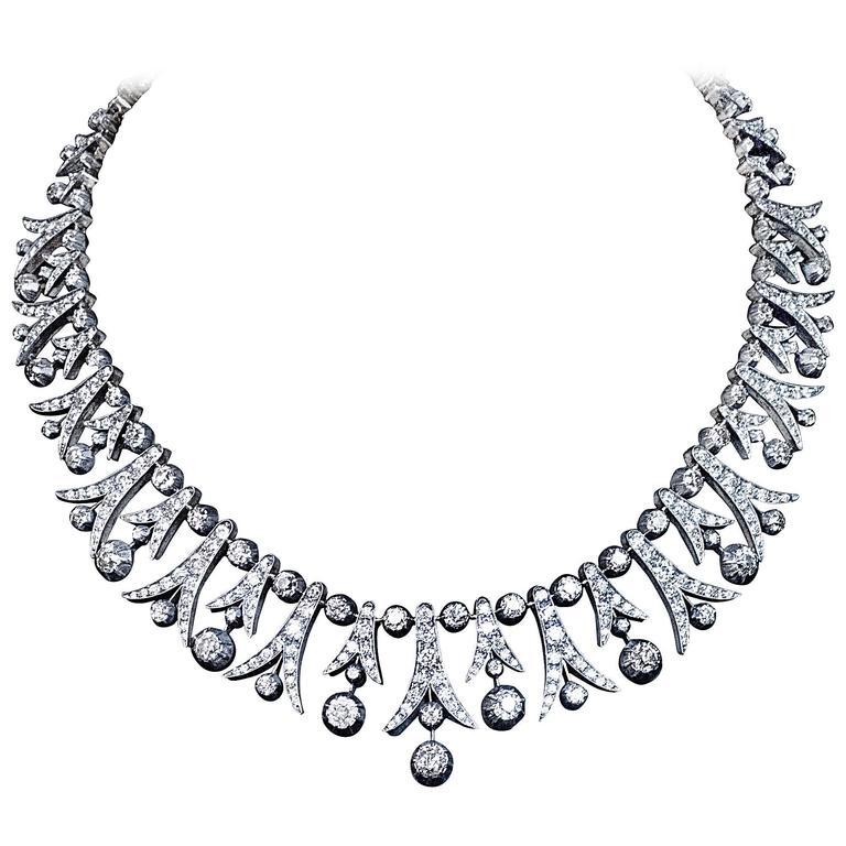 1900s 42 Carats Diamonds Fringe Necklace