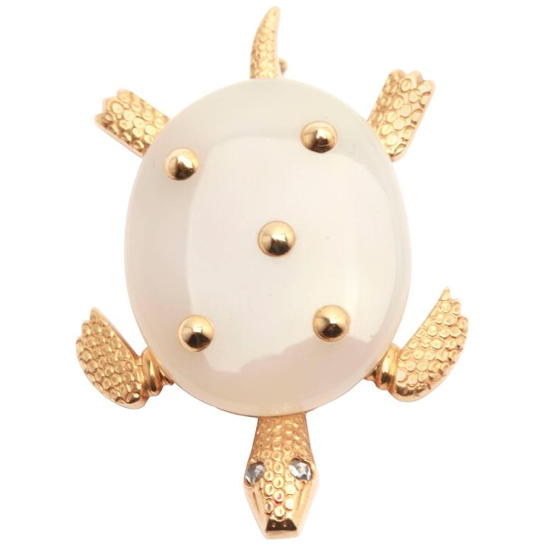 1950s Cartier Chalcedony Gold Turtle Pin