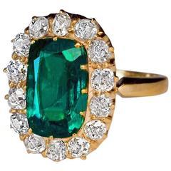 Antique 2.62 Carat Emerald Diamond Gold Cluster Ring