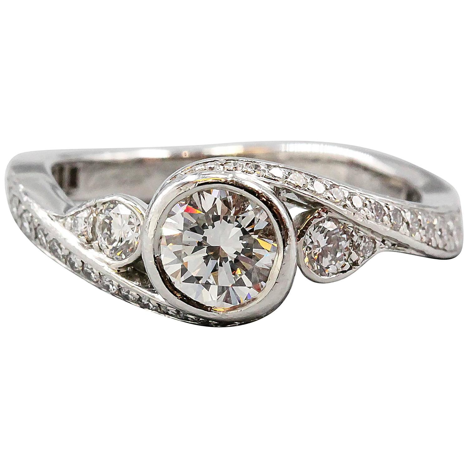 Cartier Diamond Platinum Engagement Ring For Sale at 1stdibs