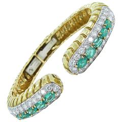 David Webb Emerald Diamond Gold Bangle Bracelet