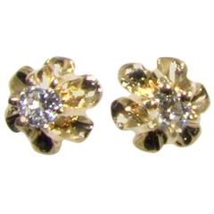 Small buttercup diamond ear studs