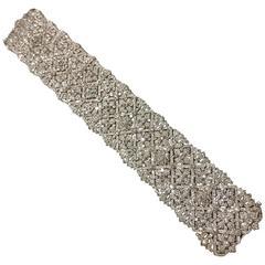 Dazzling Diamond Gold Flower Motif Bracelet