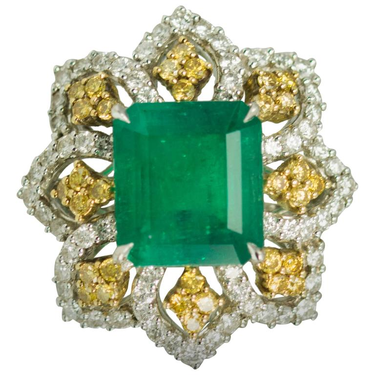 Emerald Yellow Diamond Platinum Ring For Sale