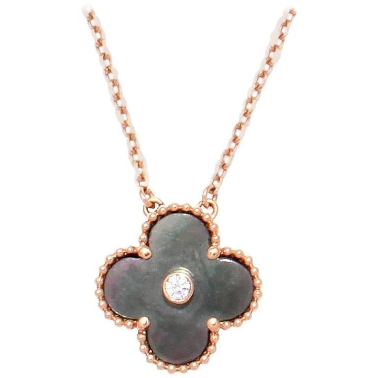 Van Cleef And Arpels Mother Of Pearl Necklace: Van Cleef And Arpels Grey Mother-Of-Pearl Diamond Gold