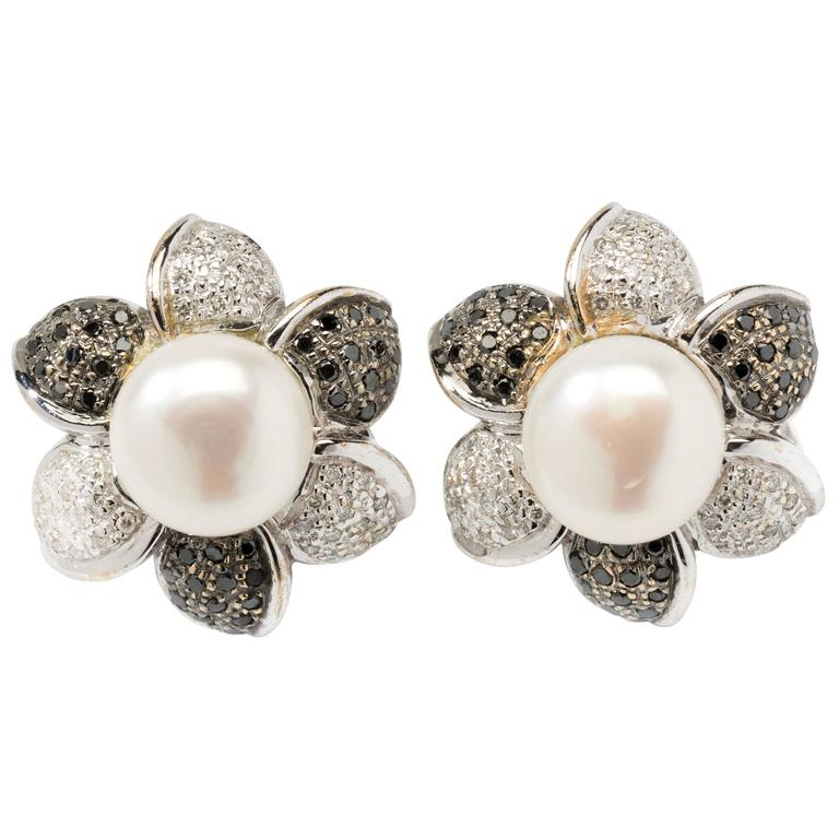Flower Shape Pearl Diamond Stud Earrings For