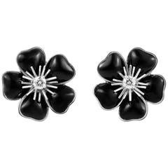 Van Cleef & Arpels Nerval Onyx Diamond Gold Earrings