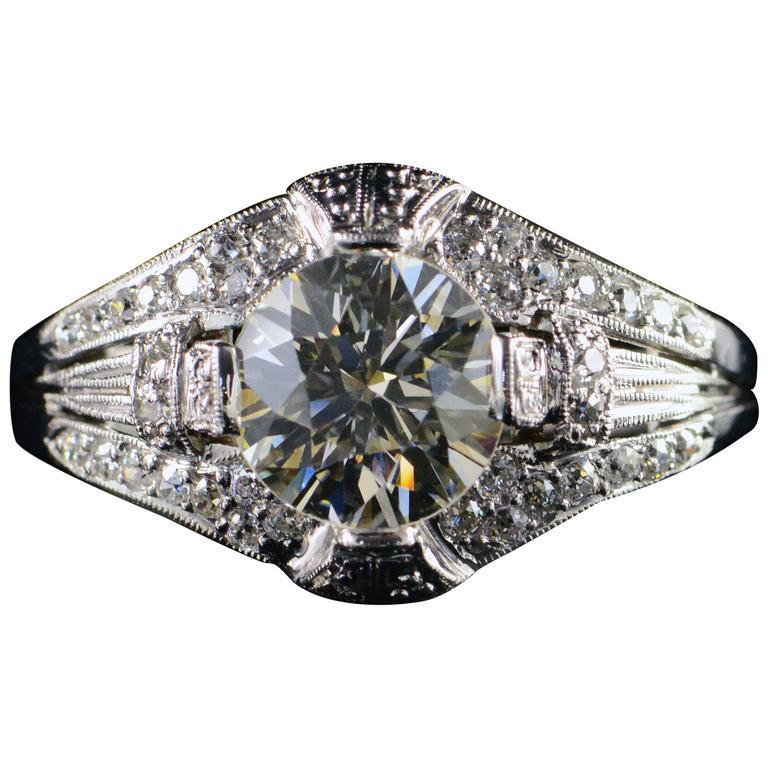 Art Deco Era 1.65 Carat Diamond Platinum Engagement Ring