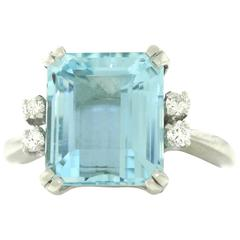 1960s Retro 6.0 Carat Aquamarine Diamond Gold Ring