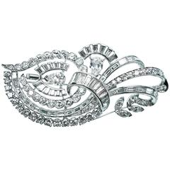1950s Elegant 7 Carats Diamonds Platinum Brooch