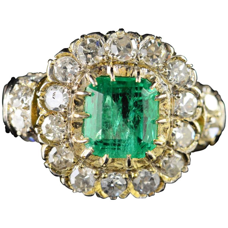 1.68 Carat Emerald 1.32 Carats Mine Cut Diamonds Gold Ring For Sale