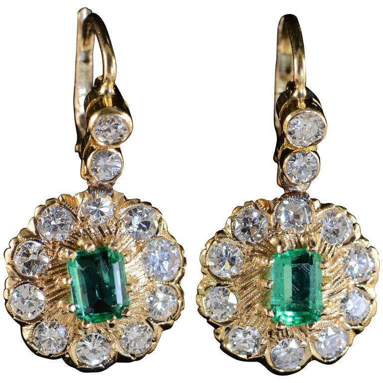 1.50 Carats Emeralds 2.80 Carats Old Mine Cut Diamonds Gold Earrings