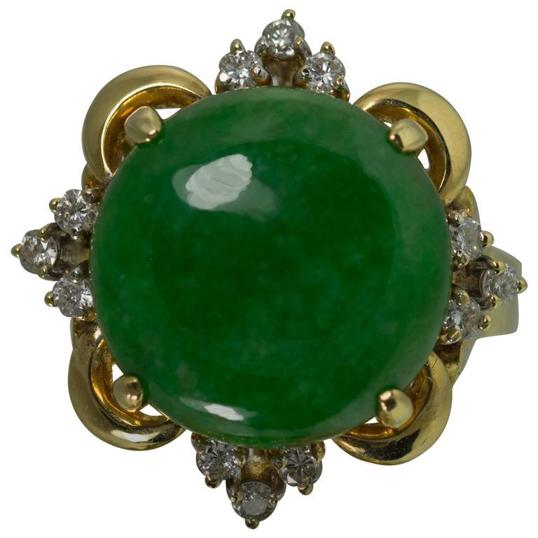 8.00 Carat Cabochon Jade Diamond Gold Ring