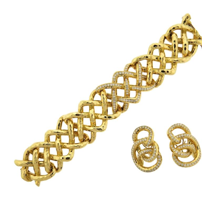 Important Valentin Magro Diamond Gold Bracelet Earrings Set