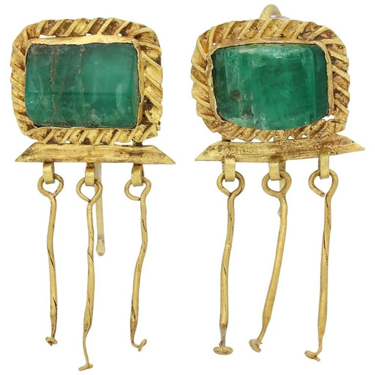 3rd-2nd Century BC Ancient Thracian Emerald Gold earrings  1